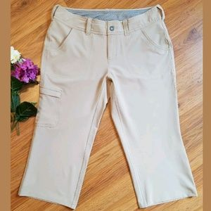 North Face Beige Performance Cargo Capri Pants